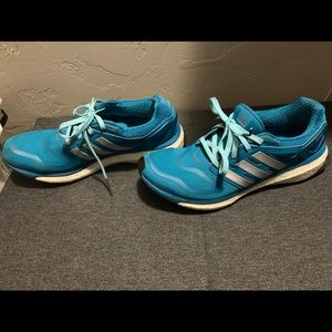 Adidas shoes in good used condition teal color sz9